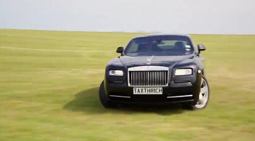Rolls Royce Wraith drifting