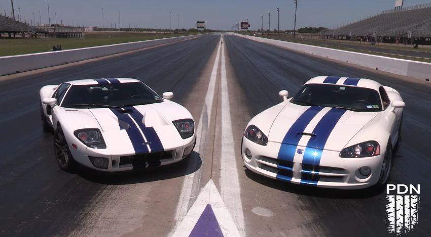 Dodge Viper vs Ford GT