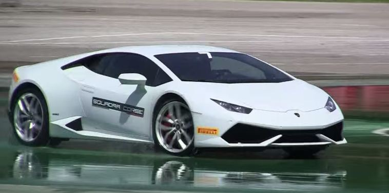 Lamborghini Huracan drifts