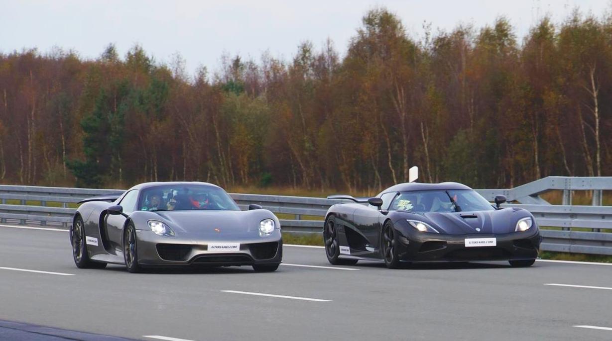 Porsche 918 Spyder vs Koenigsegg Agera R