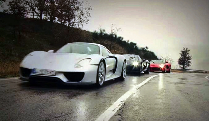 Mclaren P1 vs LaFerrari vs Porsche 918