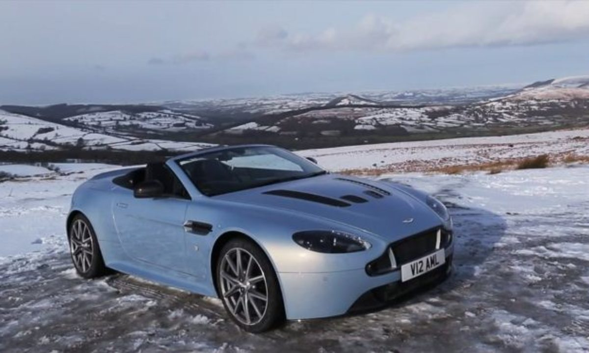 Winter Drive In An Aston Martin V12 Vantage S Roadster The Supercar Blog