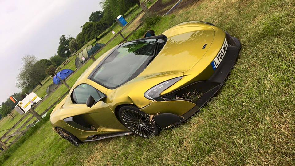 2016 Mclaren 675LT Spide crash Goodwood-2