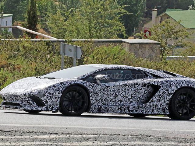 Lamborghini Aventador facelift- spy shots-4