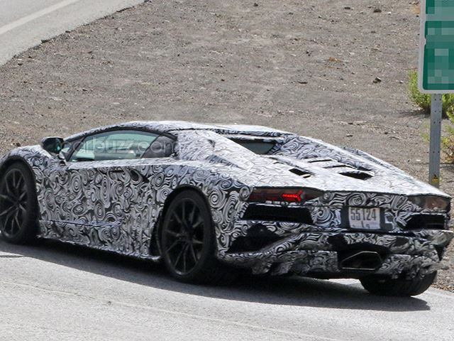 Lamborghini Aventador facelift- spy shots-5