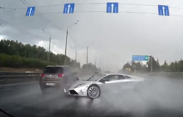 Lamborghini Murcielago crash- Russian dashcam