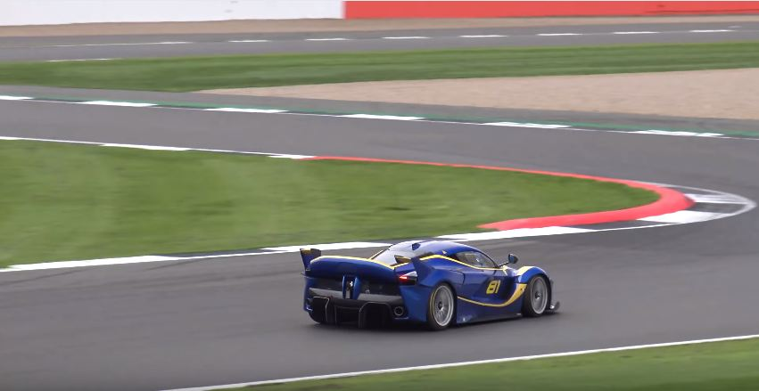 laferrari-fxx-k-at-silverstone