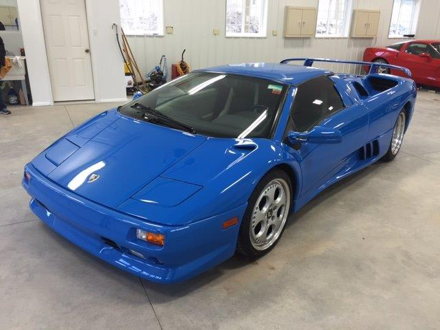 donald-trumps-lamborghini-diablo-vt-roadster-for-sale-13