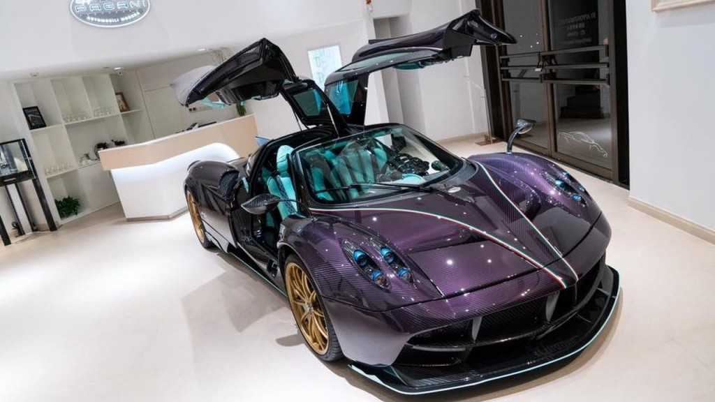pagani-huayra-dinastia-in-purple-carbon-fiber-9
