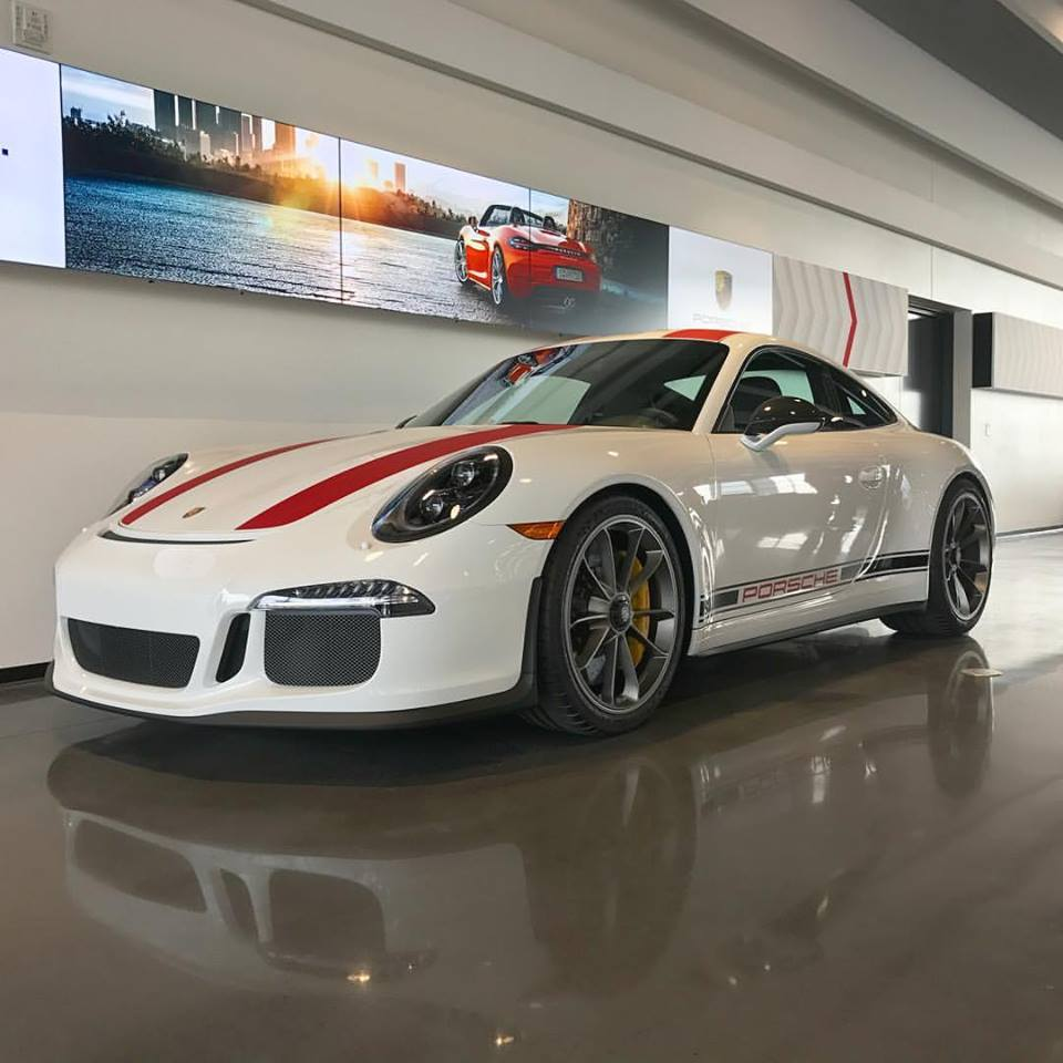 salomondrins-porsche-911-r-arrives-in-los-angeles-2