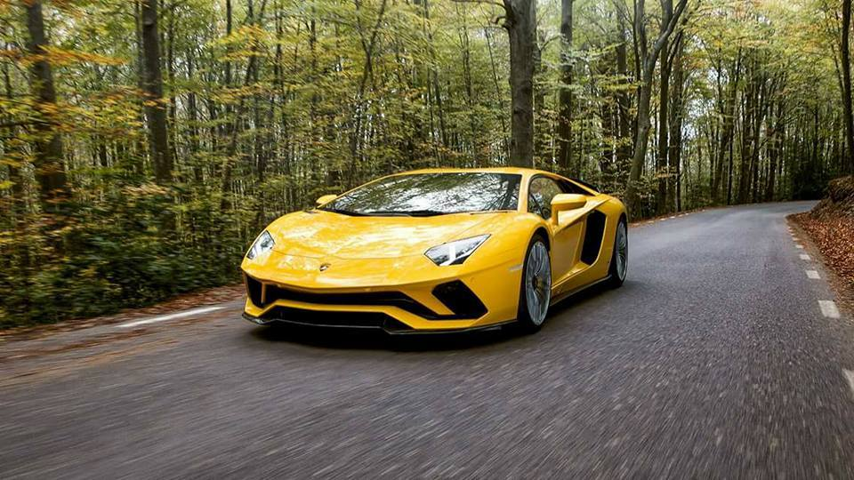2017 Lamborghini Aventador S first images-leaked-2