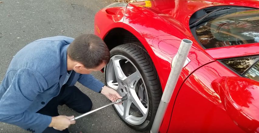 replacing-a-cracked-ferrari-458-spider-rim