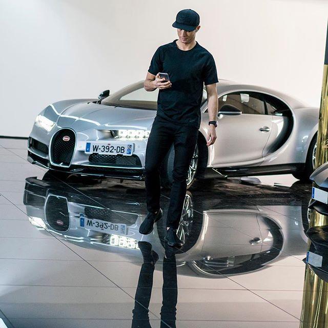 Cristiano Ronaldo test drives a Bugatti Chiron