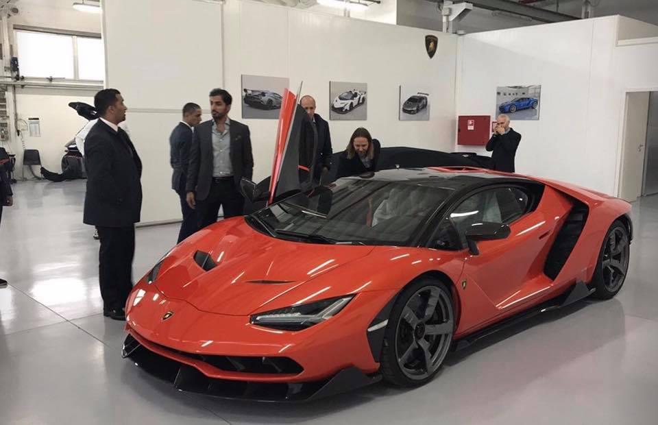 UAE Sheikh-Delivery-Lamborghini Centenario-2