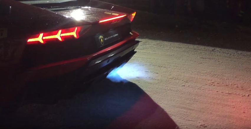 Lamborghini Aventador S exhaust-blue flames