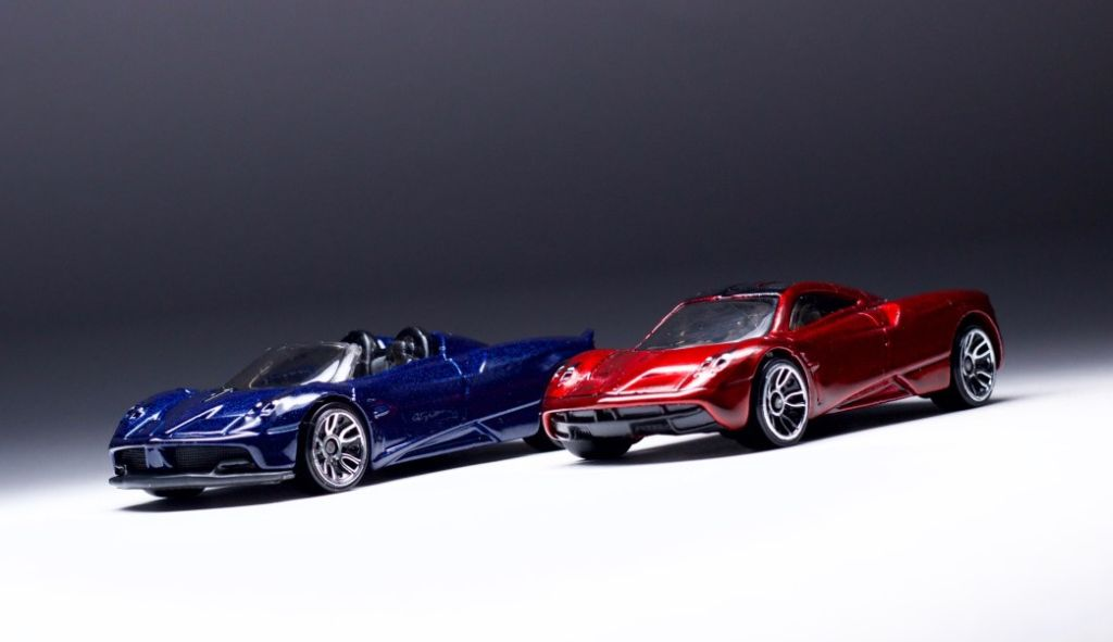 Pagani Huayra Roadster-Hot Wheels Exotic-3