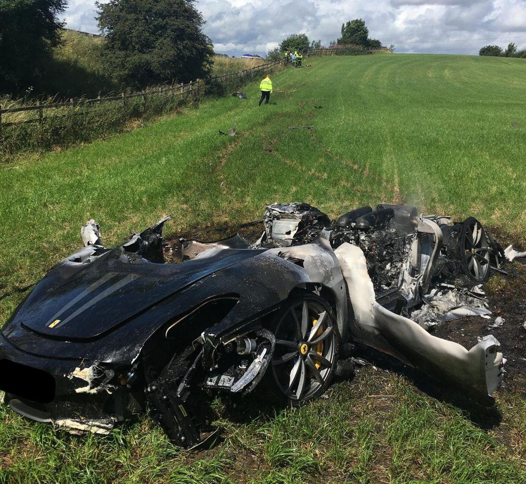 Ferrari 430 Scuderia-crash-M1-South Yorkshire-1