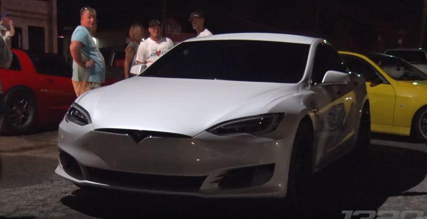 Tesla Mode S-P100D-vs Nitrous Mustang