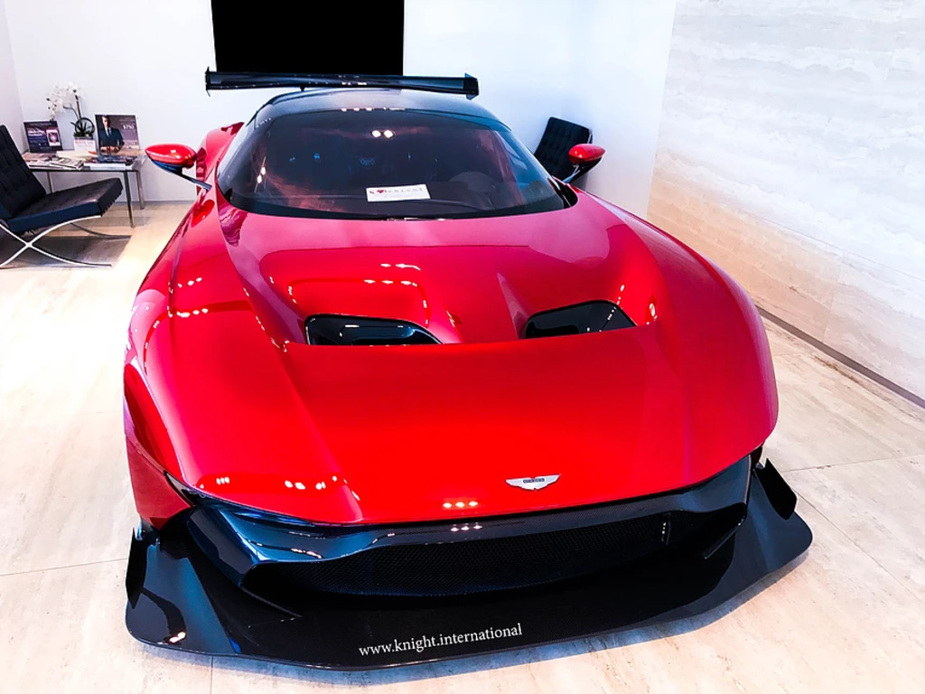 Aston-Martin-Vulcan-For-sale-2