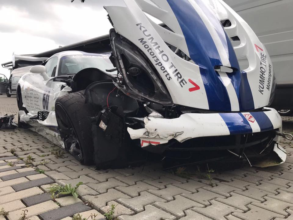 Crowdfunded-Dodge Viper-Nurburgring-lap-record-crash