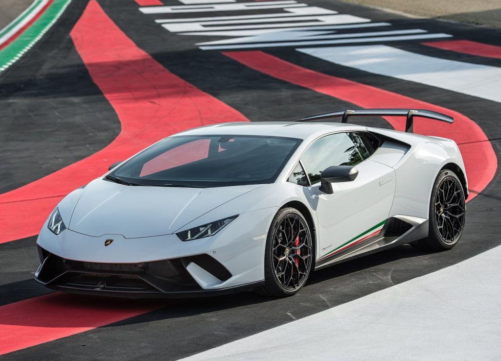 Lamborghini-Huracan Performante-1