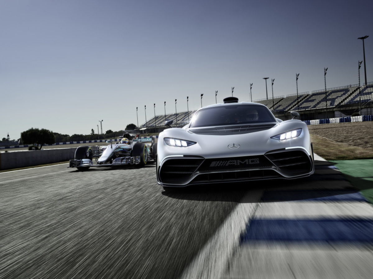Aston Martin Valkyrie Vs Mercedes Amg Project One The Supercar Blog