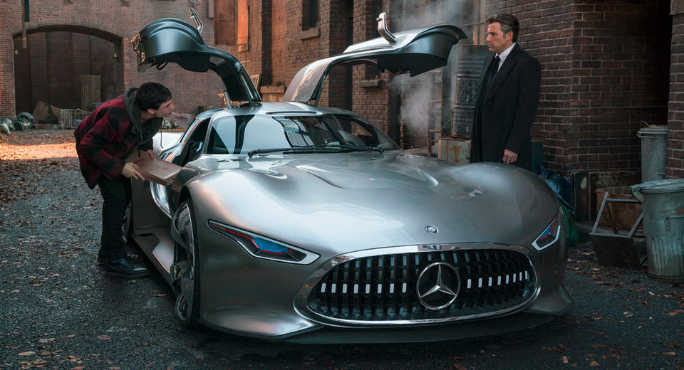 Batman-justice-league-mercedes-vision-gt-car