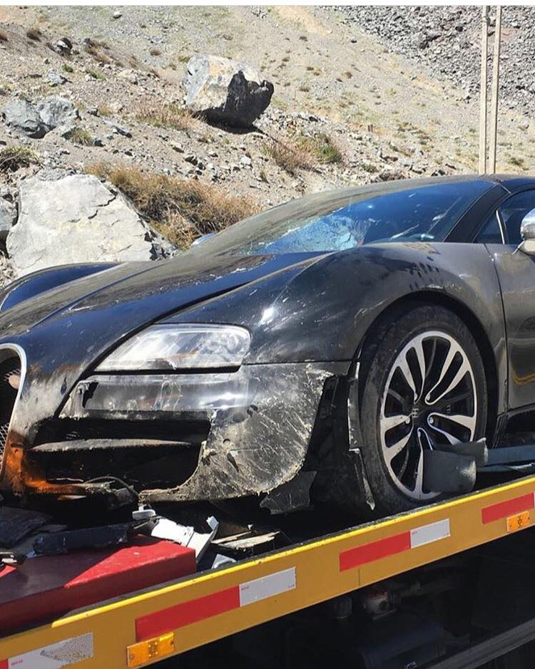 Bugatti-Veyron-Crash-Grand Tour-3