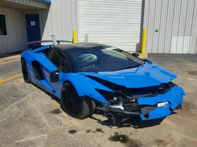 Wrecked Lamborghini Aventador Sv Roadster Up For Auction The