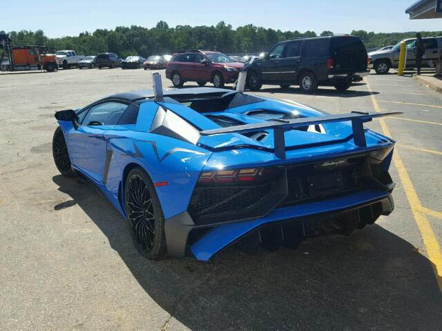 Wrecked Lamborghini Aventador SV Roadster up for Auction