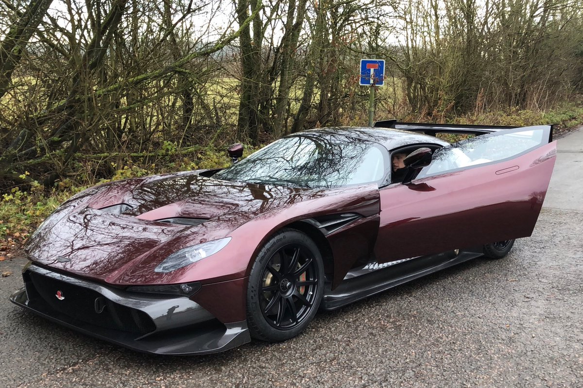 This Is The World S First Street Legal Aston Martin Vulcan The
