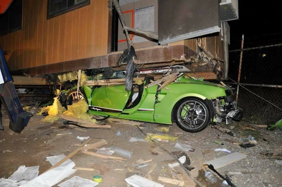 Green Lamborghini Gallardo Superleggera Crash-California-1