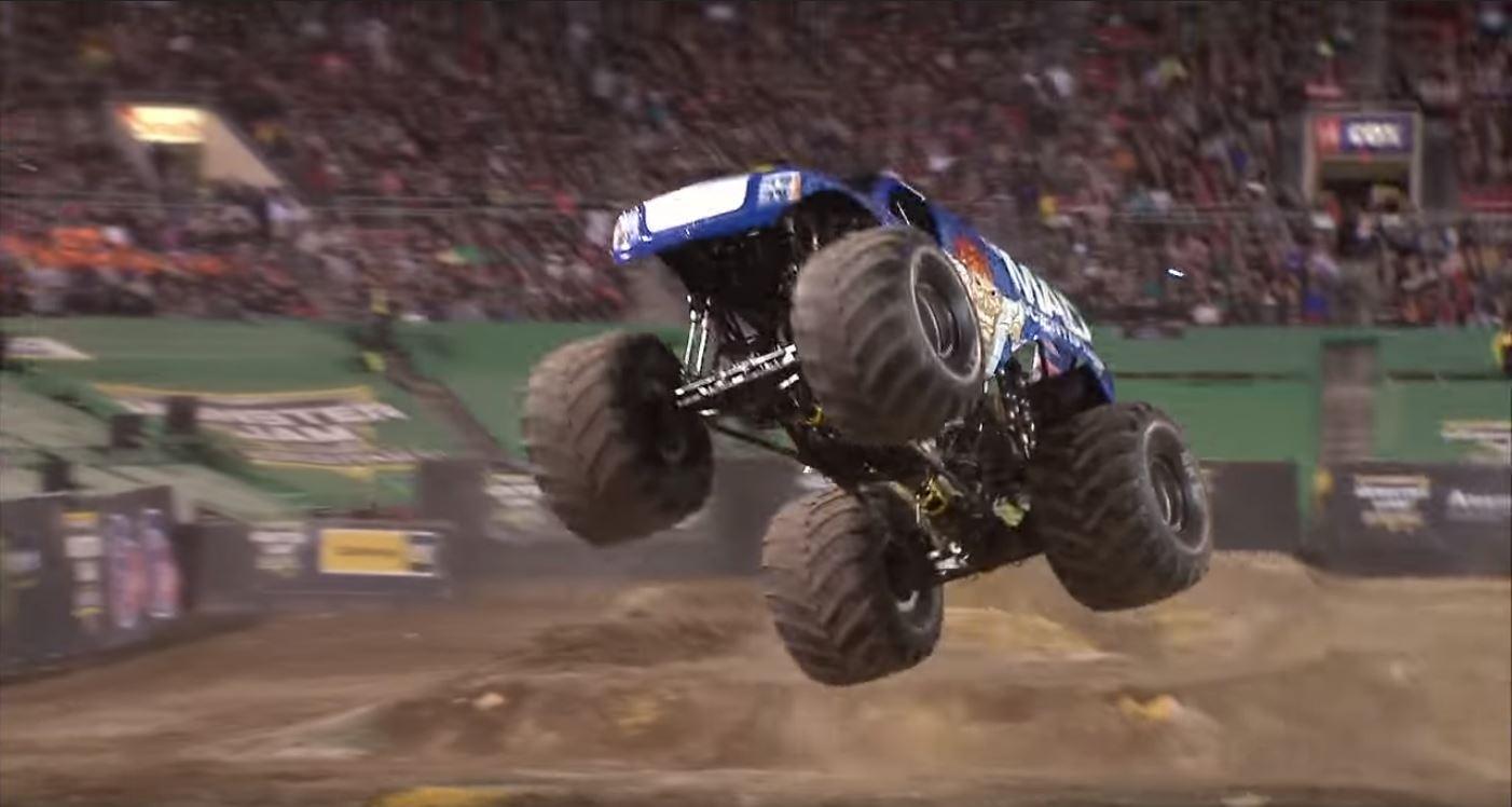 Monster-Jam-Truck-front-flip-Las-Vegas-2017