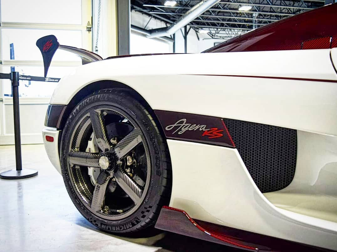 Koenigsegg Agera RS-white-red-carbon-Canada-3