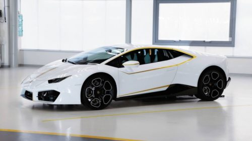 lamborghini-huracan-signed-by-pope-4