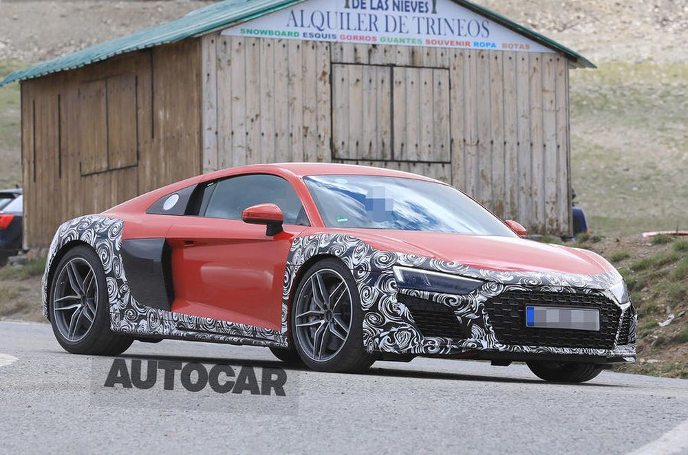 Audi R8-facelift-spy-shots-2