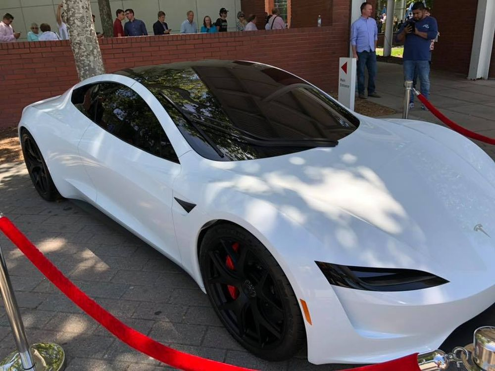 Tesla-Roadster-2-new-prototype-1
