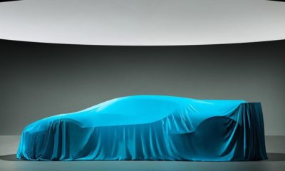 Bugatti Divo-teaser-Pebble Beach