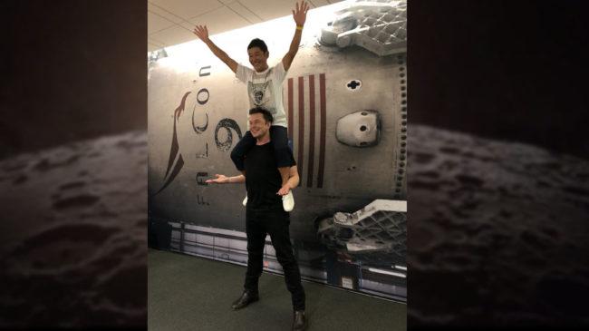Pagani Zonda ZoZo Owner Fly Moon 2023 SpaceX Rocket Yusaku Maezawa 05