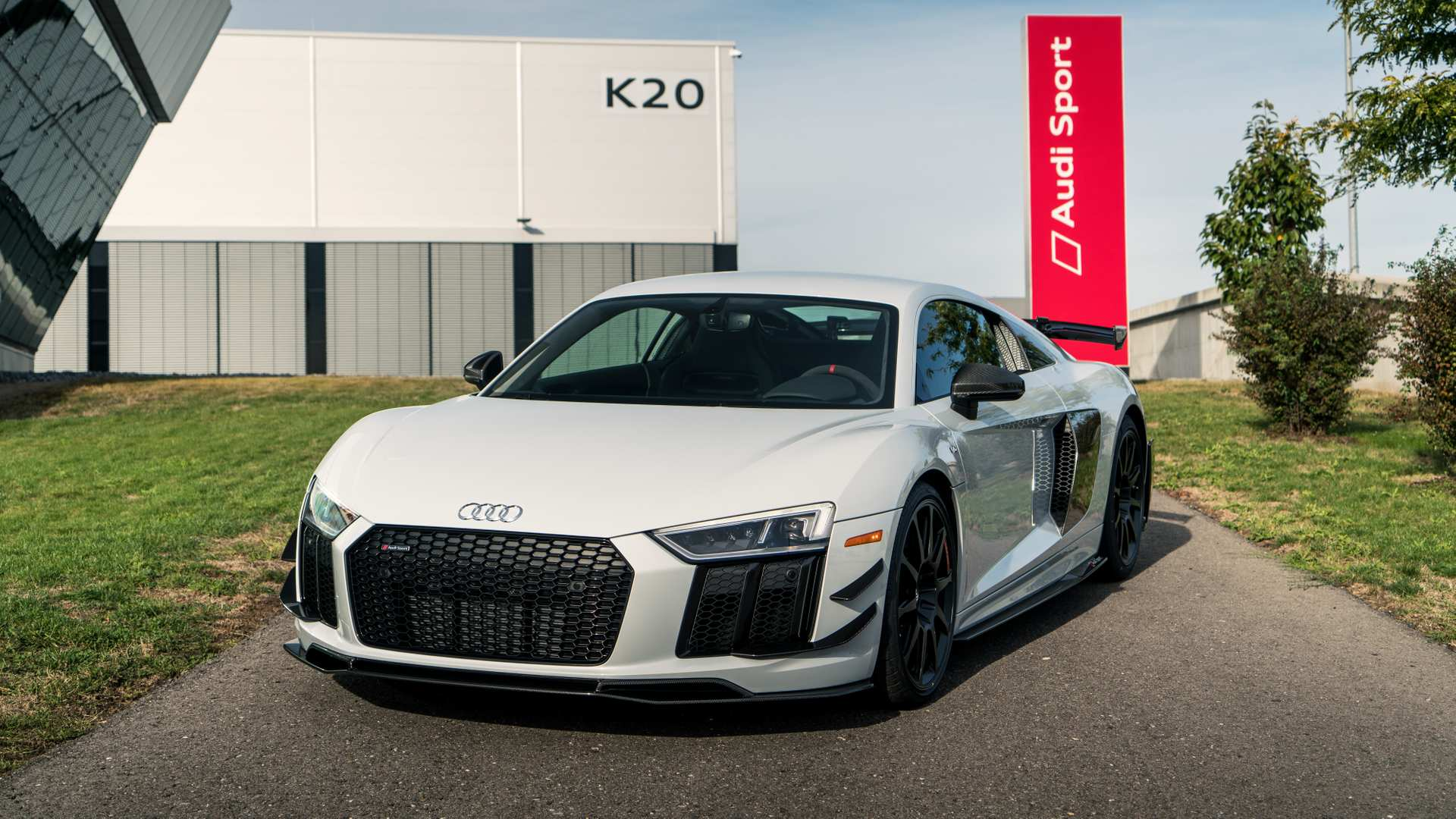 2018 audi r8 v10 plus competition 01