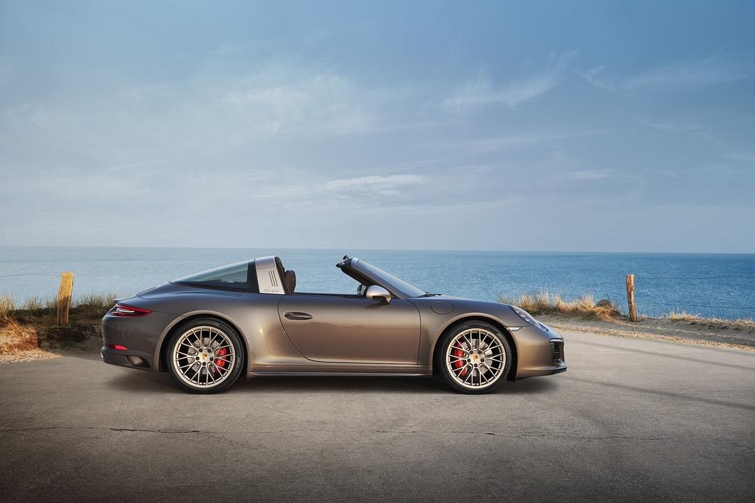 Porsche 911 targa 4 gts exclusive manufaktur edition 02