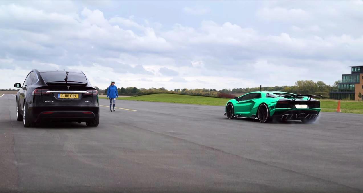 Lamborghini Aventador S vs Tesla Model X P100D-dragrace