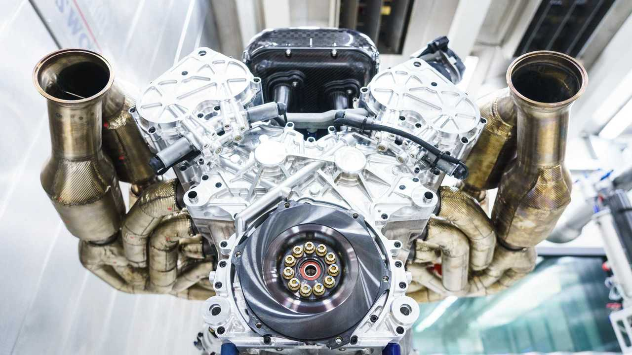 aston-martin-valkyrie-s-cosworth-v12-engine-07