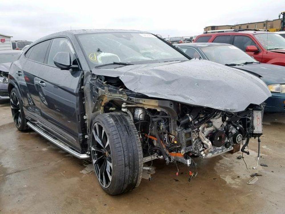 Lamborghini-Urus-Crashed-3