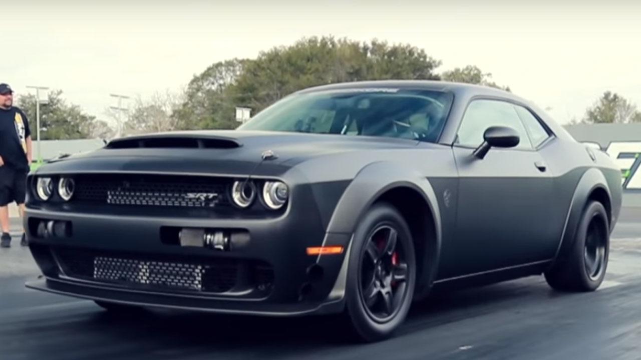 Watch The 1 200 Hp Speedkore Carbon Fiber Dodge Demon In Action