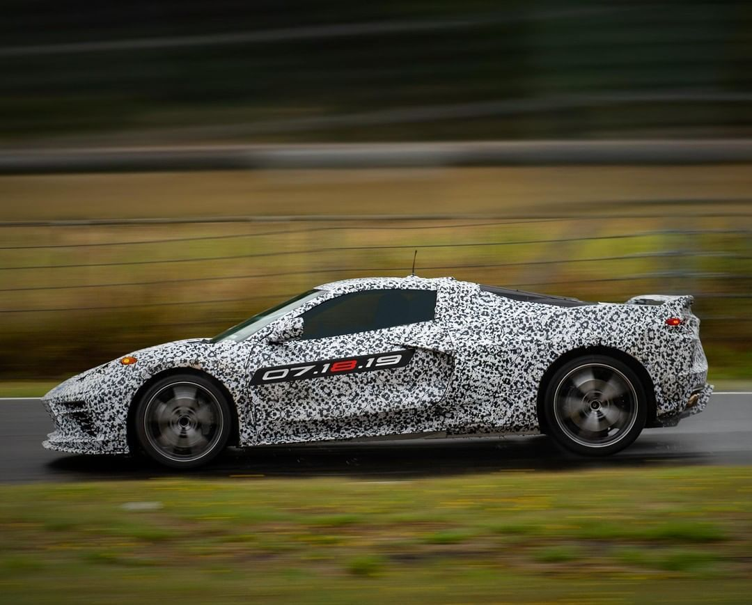 2020 Chevrolet Corvette C8-mid-engine-teaser-1