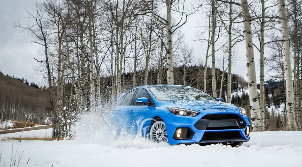 Ford-Focus-RS-winter-tires