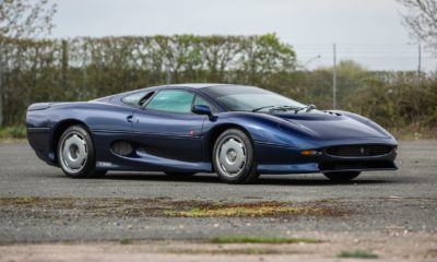 Jaguar XJ220-Blue-Silverstone Auction-1