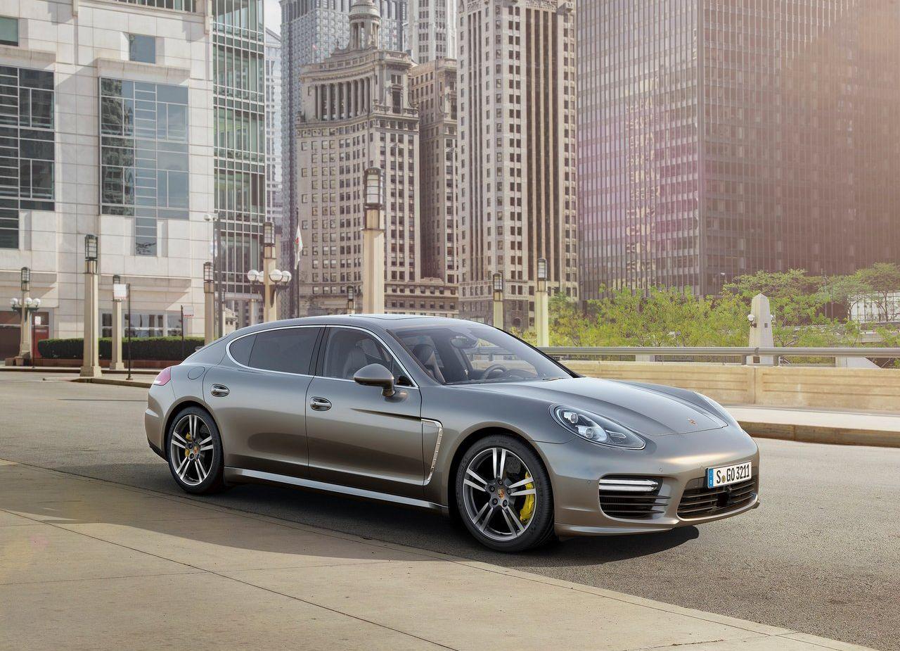 2014-Porsche-Panamera_Turbo_S