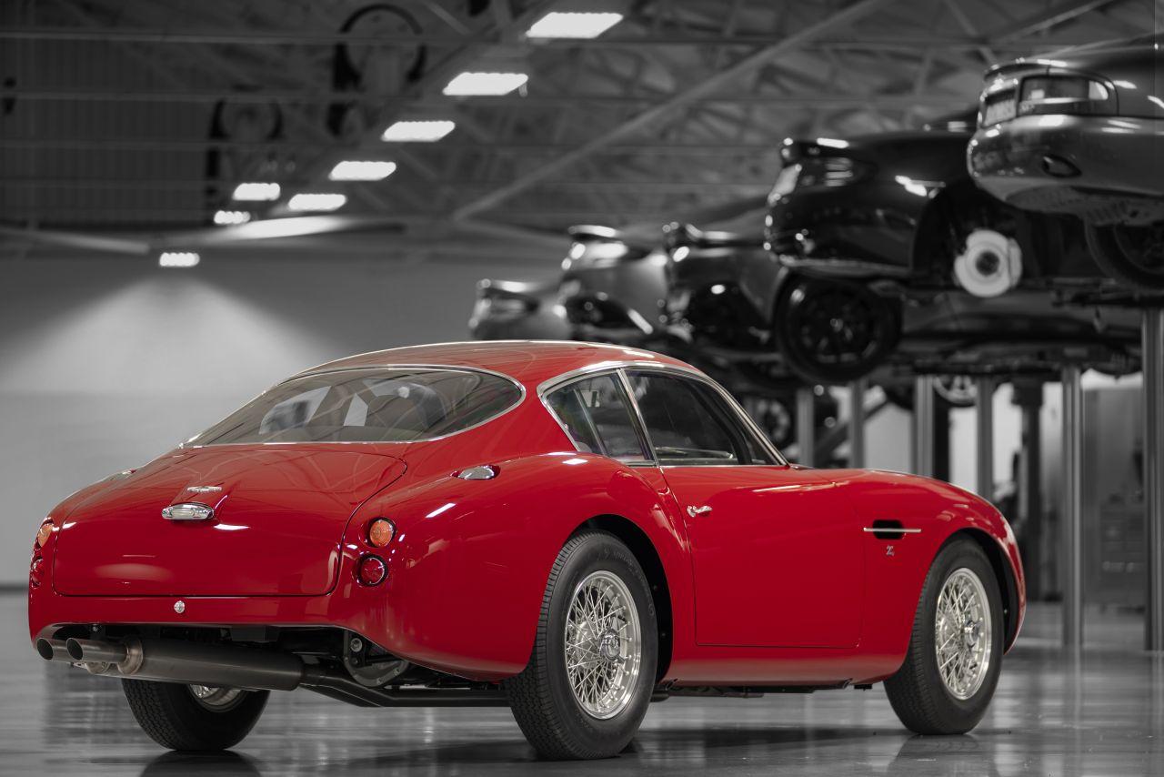 Aston_Martin_DB4_GT_Zagato_Continuation_5-jpg
